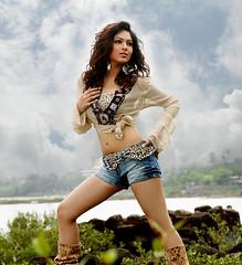 Indian Actress NIKESHA PATEL Hot Sexy Images Set-1 (17)