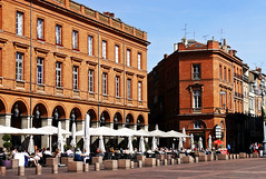 photo - Sidewalk Cafes, Place du Capitole, Toulouse (Jassy-50) Tags: photo toulouse france placeducapitole place plaza piazza platz square sidewalkcafe openaircafe umbrella cafealbert cafe