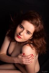 La mirada cautiva (Dani_vr) Tags: woman lingerie lenceria mujer pelirroja redhead redhaired red pelo hair boudoir coruña galicia