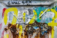 6 times sex / 6 mal sex (FrAn-Photo) Tags: 2017 andrealanglotz frankfurt menschen andrea main westhafen yellow city people street urban streets graffity colours art colourful photography streetphotography francaancona franphone