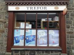 Trefor (gwallter) Tags: trefor post office