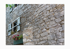 Hum wall (Smallest town in the world) (ARRRRT) Tags: croatia hum arrrrt flickr old smallesttownintheworld