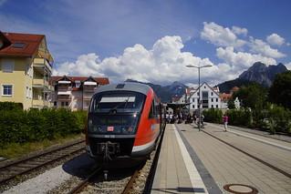 DB REGIO 642 123 staat in Station van Füssen als RB gereed met eindbestemming Augsburg Hbf 07-07-2017