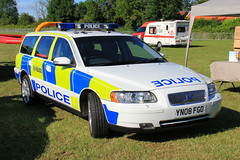 South Yorkshire Police Volvo V70 T5 Armed Response Vehicle (Preserved) (PFB-999) Tags: south yorkshire police syp preserved volvo v70 t5 estate armed response vehicle car unit arv firearms lightbar grilles strobes leds yn08fgo rescue day 2017