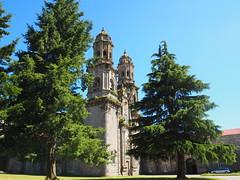 Iglesia del Monasterio de Sobrado. (lumog37) Tags: torres towers iglesia church monasterios monastery arquitectura architecture barroco baroque coníferas conifers