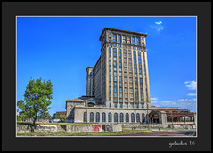 Michigan Central Station (the Gallopping Geezer '4.8' million + views....) Tags: mcs michigancentralstation depot station trainstation railroadstation abandoned weathered decay decayed worn faded closed vacant detroit mi michigan rail railservice train travel transportation old historic newwindows pleasesave canon 5d3 24105mm geezer 2016 tonemap tonemapped processing photomatrix