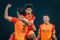 Hougang United (S.League 2017) (BP Chua) Tags: football soccer sport hufc hougang hougangunited players celebration happy smile canon 1dx 400mm orange man people stadium singapore sleague fas sgfootball junpiterfutbol