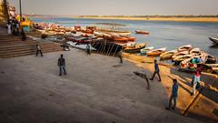Cricket - Varanasi, India (Kartik Kumar S) Tags: varanasi uttarpradesh india canon 600d tokina 1116mm people places street photograpy walk steps lines cricket sports game travel