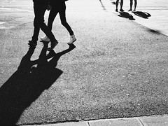 Melbourne 2016/7-5 (michelle-robinson.com) Tags: 4tografie everyday xt10 street blackandwhitephotography bw monochrome streetphotography snapseed australia life blackandwhite photography michellerobinson fujifilm streetlife people michmutters couple longshadows lightanddark shadows lightandshadows vsco