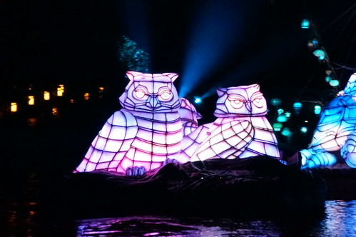 "Rivers of Light Nighttime Experience • <a style=""font-size:0.8em;"" href=""http://www.flickr.com/photos/28558260@N04/34786910400/"" target=""_blank"">View on Flickr</a>"