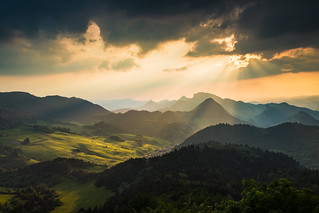 Into the valley - Pieniny National Park, Slovakia