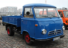 B611 (Schwanzus_Longus) Tags: schuppen 1 eins breman german germany old classic vintage truck lorry vehicle freight cargo transport coe cab over engine borgward b611