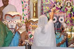 Snana Yatra 2017 - ISKCON-London Radha-Krishna Temple, Soho Street - 04/06/2017 - IMG_2420 (DavidC Photography 2) Tags: 10 soho street london w1d 3dl iskconlondon radhakrishna radha krishna temple hare harekrishna krsna mandir england uk iskcon internationalsocietyforkrishnaconsciousness international society for consciousness snana yatra abhishek bathe deity deities srisri sri lord jagannath baladeva subhadra 4 4th june summer 2017
