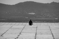 Ante mí (kum111) Tags: soledad solo hombre meditación libertad