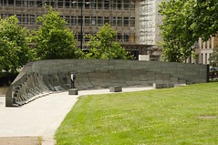 Hyde Park Corner / WW2 memorial (D.Ski) Tags: hydeparkcorner greenpark wellingtonarch ww2 memorial warmemorial london uk england