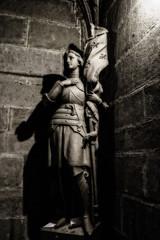 Dark Jeanne (Fernando Two Two) Tags: jeanne pucelle juana arco santa martir martyr esculura sculpture estatua statue art arte carcassonne carcasona france francia