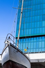 the boat (alexhaeusler) Tags: building zürich perspective landed ship boat