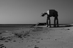 Lego AT-AT Star Wars Erdeven beach - atana studio (Anthony SÉJOURNÉ) Tags: lego atat star wars giant scale bretagne brittany blocks brick atana studio anthony séjourné sw starwars bunker