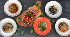 Вечери на Италианската кухня. Опитай ястия по оригинални италиански рецепти със специално подбрани продукти само при нас. Ръчно приготвени талиателе със спаначено или морковено тесто. А за десерт? Ще те изненадаме с нещо, което се приготвя за първи път в (Smokini) Tags: smokini restaurant plovdiv ресторант пловдив vegetarian glutenfree vegan вегетариански веган
