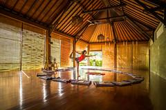 Yoga in Bali (Rob-Shanghai) Tags: yoga bali mia leica m240 cv21 light pose