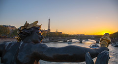 Pont Alexandre III - Tour Eiffel - Paris (valecomte20) Tags: sky water bluehour seine pontalexandreiii paris d5500 nikon