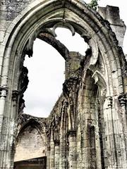 Blick in vergangene Zeit (gunarimfocus) Tags: abbaye jumieges normandie klosterruine ruine schönsteruine historisches geschichte architekturdenkmal