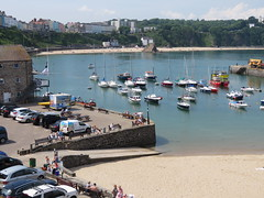 Harbour view. Tenby. (aitch tee) Tags: sunshine summerweather touristvisit touristview harbour seaside tenby dayout touristviews walesuk