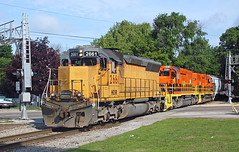 Early in the day (CSXT 700) Tags: hesr huroneastern 2661 sd402m baycitymi gw geneseewyoming