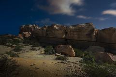 piedras (Luis_Garriga) Tags: piedras rocas erosión desierto geoformas estratos sedimentarios parque geológico reserva ischigualasto valledelaluna sanjuan argentina noche nubes luna estrellas sombras iluminaciones paisaje nikon d5200