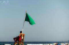 Canet 16-06-23-012 (Santiago Meco) Tags: bandera canet desconocido playa valencia