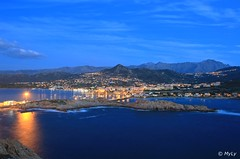 L'Ile Rousse (Maurizio Longinotti) Tags: lilerousse isolarossa corsica corse notte night seascape landscape paesaggio vista panorama view martirreno france francia luci lights cielo sky mare sea montagne mountains porto harbour