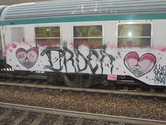 994 (en-ri) Tags: ordea gelo crew gelos chiappe natiche terga cuori rosa nero train torino graffiti writing