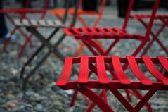 Sediamoci e parliamo... abbiamo tante cose da dirci (bellabigo) Tags: street streetphotography chair sedia love talk