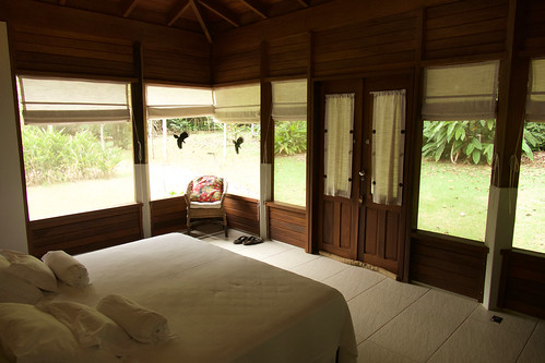 brazil-amazon-cristalino-lodge-superior-room-interior-copyright-thomas-power-pura-aventura