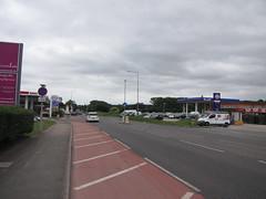Esso & Gulf - A5 Watling Street, Dordon, Warwickshire (christopherbarker13) Tags: esso exxon gulf certasenergy petrolstation garage a5 watlingstreet dordon warwickshire