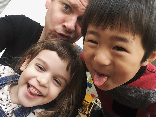 Silly selfie time at Star Kids International Preschool, Tokyo. #starkids #international #preschool #school #children #kids #kinder #kindergarten #daycare #fun #shibakoen #minatoku #tokyo #japan #instakids #instagood #twitter #子供 #幼稚園 #保育園 #スターキッズ #インターナショ