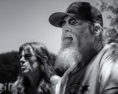Cottonwood Art Festival Couple (1mpl) Tags: olympusomdem1mki texas dallas richardson cottonwoodartfestival monochrome bw niksilverefexpro