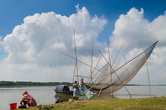 Life at river! (ashik mahmud 1847) Tags: bangladesh people d5100 nikkor river sky cloud blue working man woman fishing