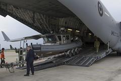 Naval Security Team Deployment (RCAF-ARC) Tags: qulsiezpuknfoybgt1jdrsbbg1jjru5orq airplanes avionsday jour sevbvlkgrvfvsvbnru5uoycduvvjuevnru5uiexpvvje horizontalinternationalmultinational multinationalenavy marine t1vure9pulm7ievyvinssuvvug rigid hulled inflatable boats rhib canots pneumatique a coque rwide shot plan densemblejinhaesouth koreaair force aérienneheavy equipment équipement lourdoutdoors extérieurrigid rigide cpcr