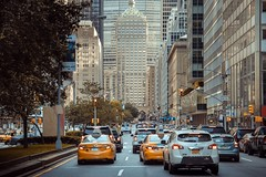 Park Avenue, New York (kareszzz) Tags: newyork usa canon6d ef24105 photowalk travel streetphotography cars traffic taxi road street 2017 june summer