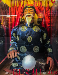 tells all $1 (pbo31) Tags: bayarea california iphone7 color july 2017 summer boury pbo31 sanfrancisco city urban chinatown grantavenue future fortune coin booth wise man chinese crystal ball