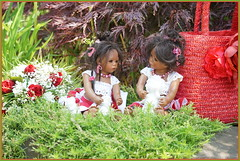Ein schattiges Plätzchen ... (Kindergartenkinder) Tags: dolls himstedt annette frühling park blume garten kindergartenkinder essen grugapark personen leleti blumen rosen