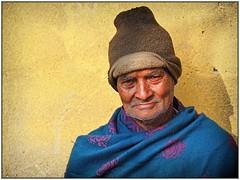 Kolkata - Man (sharko333) Tags: travel voyage reise street india indien westbengalen kalkutta kolkata কলকাতা asia asie asien people portrait man cap olympus em1