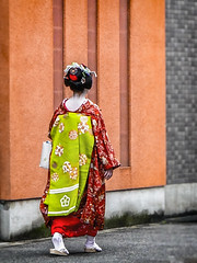 There She Goes (Explored) (Rekishi no Tabi) Tags: kikuyae maiko apprenticegeiko apprenticegeisha miyagawacho kyoto geisha geiko leica flickrexplore