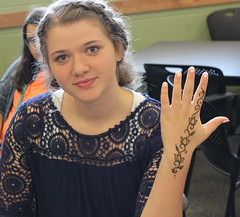 Teens at the Georgetown Branch learned about henna body art and get a design from a professional artist. (ACPL) Tags: fortwaynein acpl allencountypubliclibrary georgetown geo slp summerlearningprogram henna bodyart teens teen