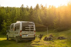 Relax nei boschi-27 ( YariGhidone ) Tags: rosso cesana lago nero claviere monti della luna van life vanlife campe furgone vita avventure adventure campfire camping wildlife wild camper