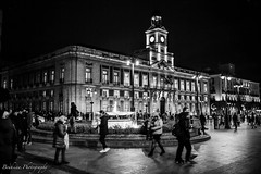 La puerta del Sol by night - Madrid (Bouhsina Photography) Tags: sol madrid spain street black white bw noir blanc noirblanc bouhsina bouhsinaphotography nuit monochrome canon 5diii sigma 35mm