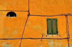 - (klaus53) Tags: wall lines windows portoferraio elba nikon