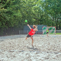 "Beachhandbal Toernooi Winterswijk 2017 • <a style=""font-size:0.8em;"" href=""http://www.flickr.com/photos/131428557@N02/35432855751/"" target=""_blank"">View on Flickr</a>"