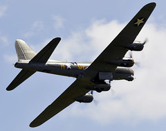 Flying Fortress (Bernie Condon) Tags: boeing b17 flyingfortress bomber ww2 usaaf vintage preserved sallyb shuttleworth oldwarden airshow display flying aviation